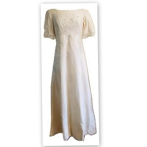 1960s Ivory Short Sleeve Vintage Wedding Gown